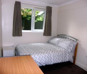Little Yews Garden Bedroom 1